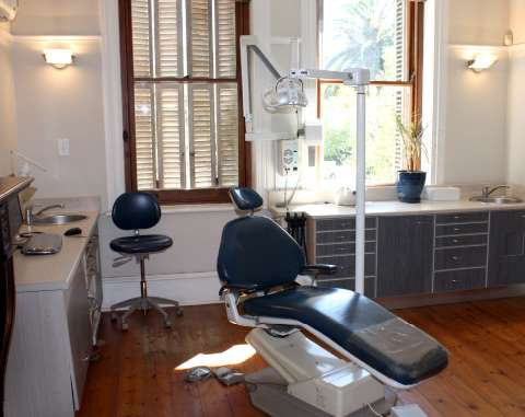 Molteno-Road-Dental-Practice-Dentist-Chair